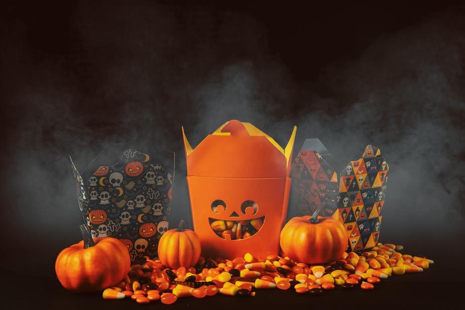 Decorate in halloween